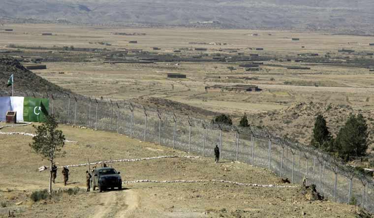 pak-afghan_border-at-angore-adda-pak
