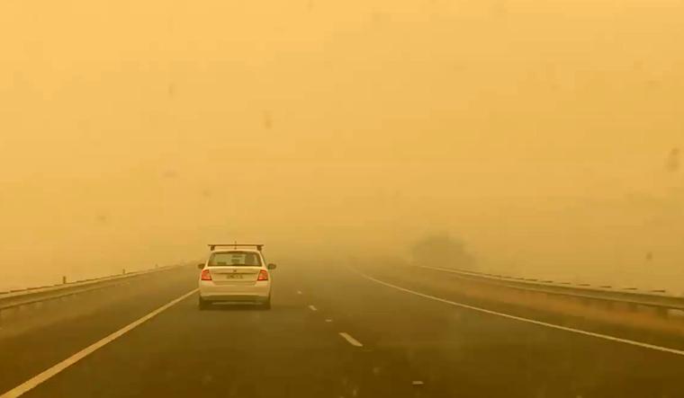smoke-bushfire-canberra-road-pollution-Reuters