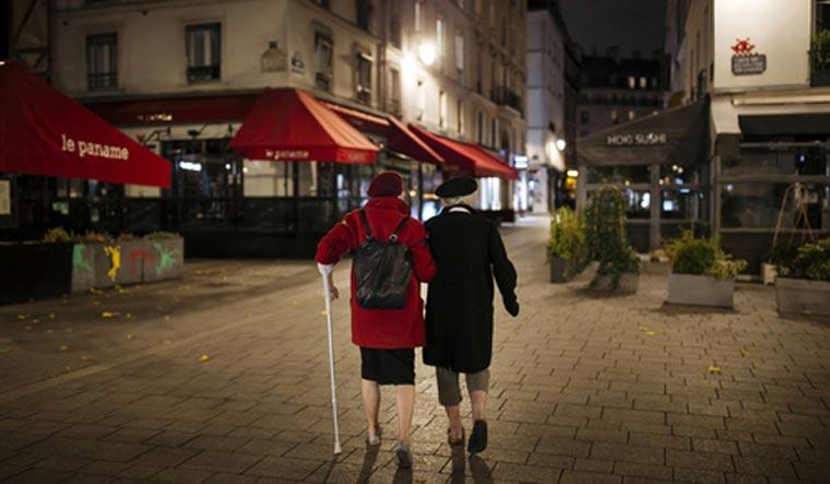 paris lockdown ap