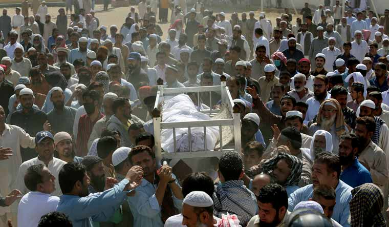 Mysterious toxic gas kills 14 people in Pakistan's Karachi