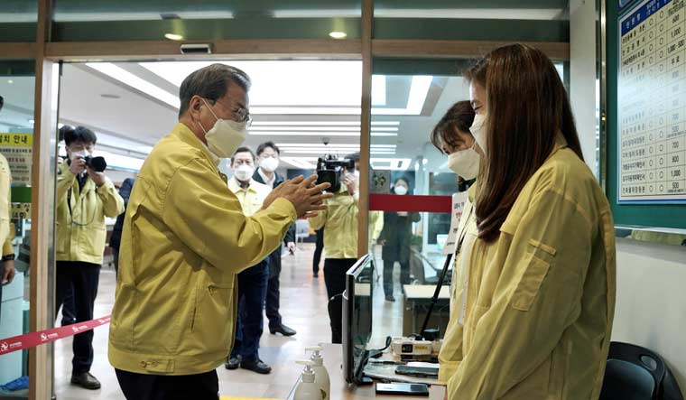 China reports 508 more virus cases, lower increase in deaths