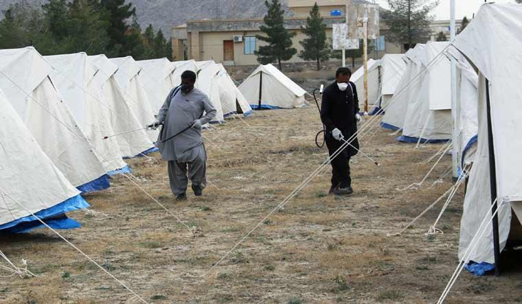 coronavirus-pakistan-cleaning-PDMA-Taftan-Reuterse