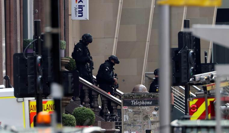 glasgow-police-stabbing-anti-terror-reuters