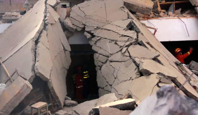 china-restaurant-Xiangfen-collapse-AP