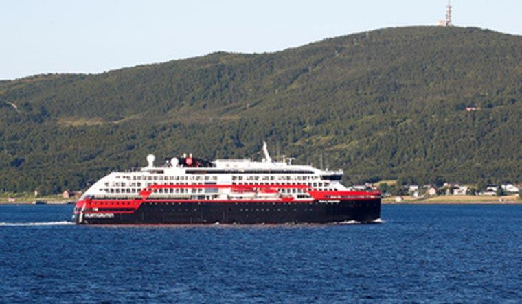 MS-Roald-Amundsen-cruise-ship-covid-reuters