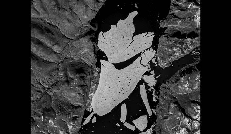Greenland-iceberg-global-warming-ESA-AP