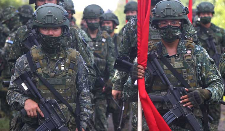 taiwan soldiers reuters