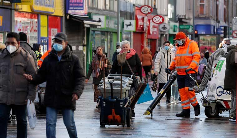 london-road-cleaners-coronavirus-ap