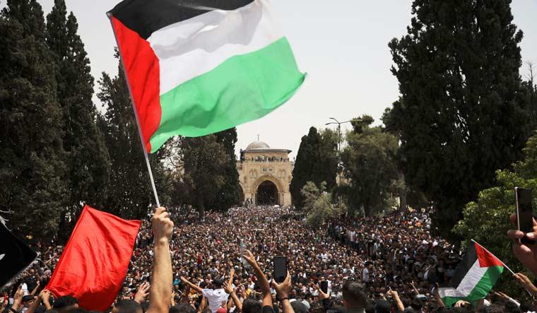 al-aqsa-mosque-palestine-demonstration-flag-ap