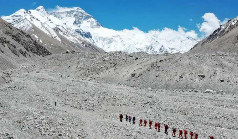 china-mount-everest-climbers-ap