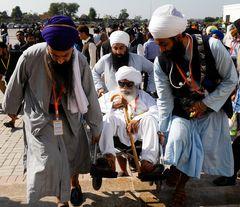 Pilgrims visiting gurdwara darbar sahib, kartarpur | Reuters