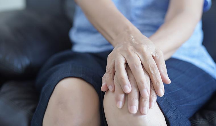 14-osteoarthritis-woman