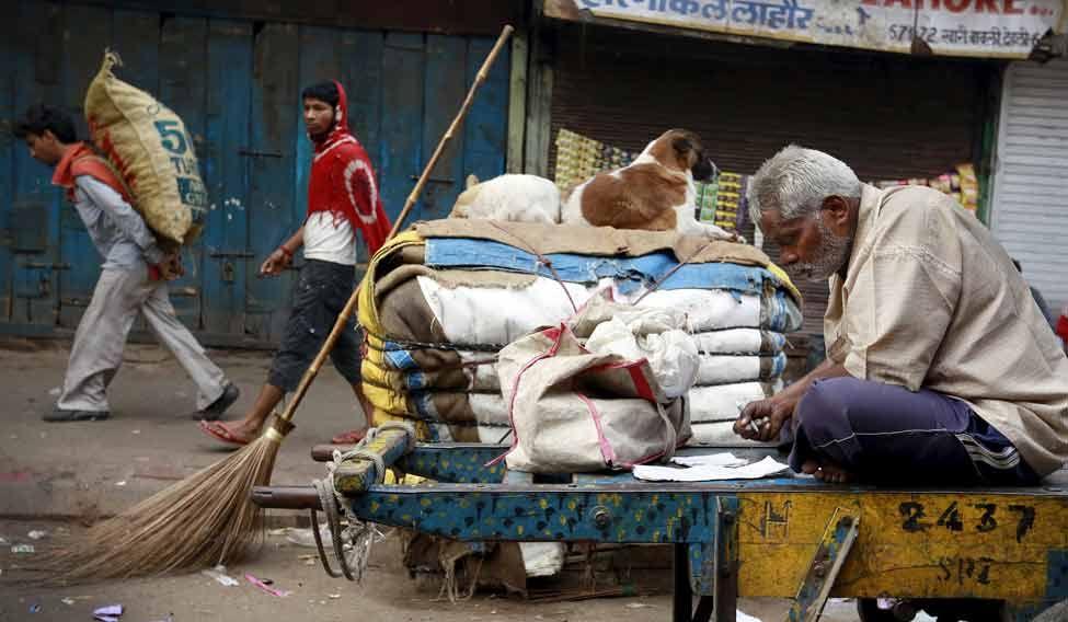 labourer-Budget-Reuters