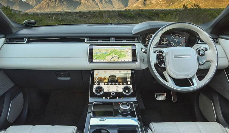 Range-Rover-Velar-04