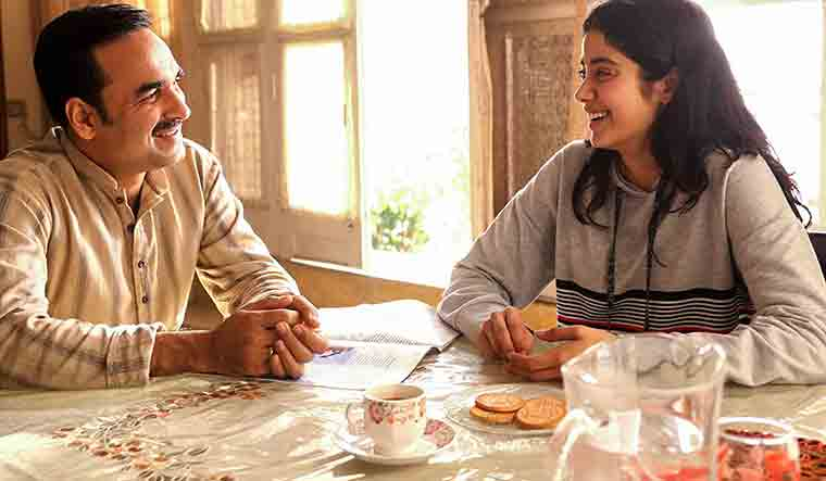 Gunjan Saxena Review Janhvi Kapoor Pankaj Tripathi Shine In This Inspirational Film The Week