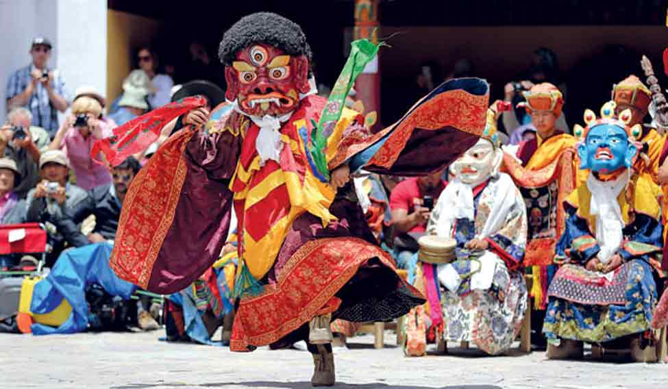 mask-dance