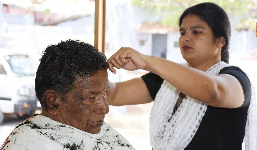 Devi-Barber