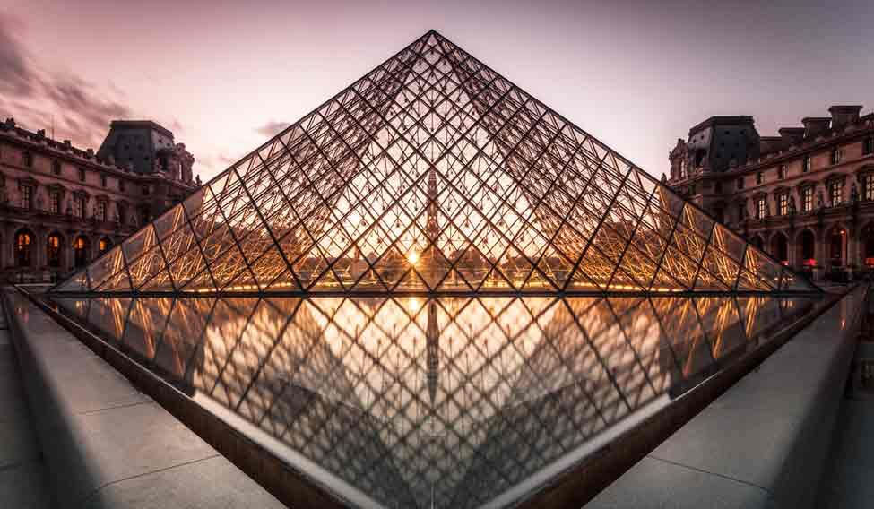 grand-pyramid-louvre